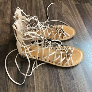 American Eagle Woman's Gladiator Sandals NWOT SZ 9